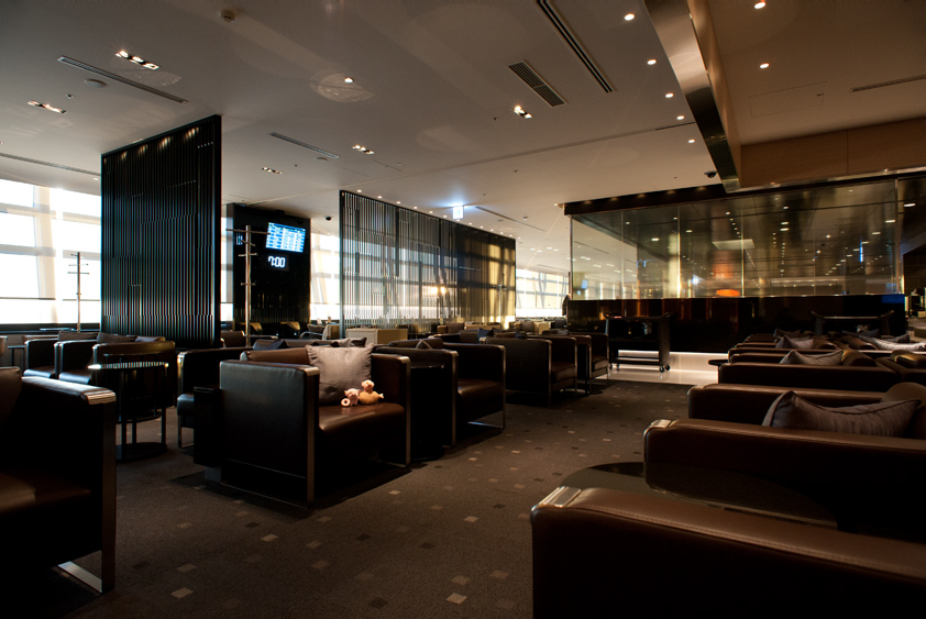 all nippon airways lounge at tokyo international airport business class first class mcdull mcmug