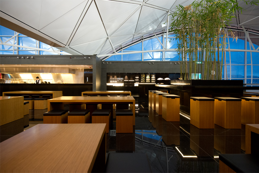 the noodle bar at cathay pacific the wing at hong kong international airport